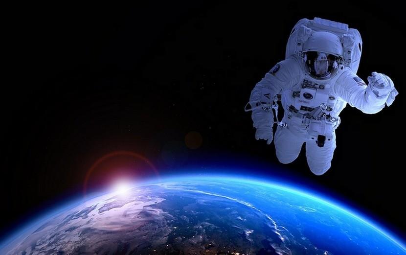 Команда HR Expert поздравляет всех с Днем космонавтики!